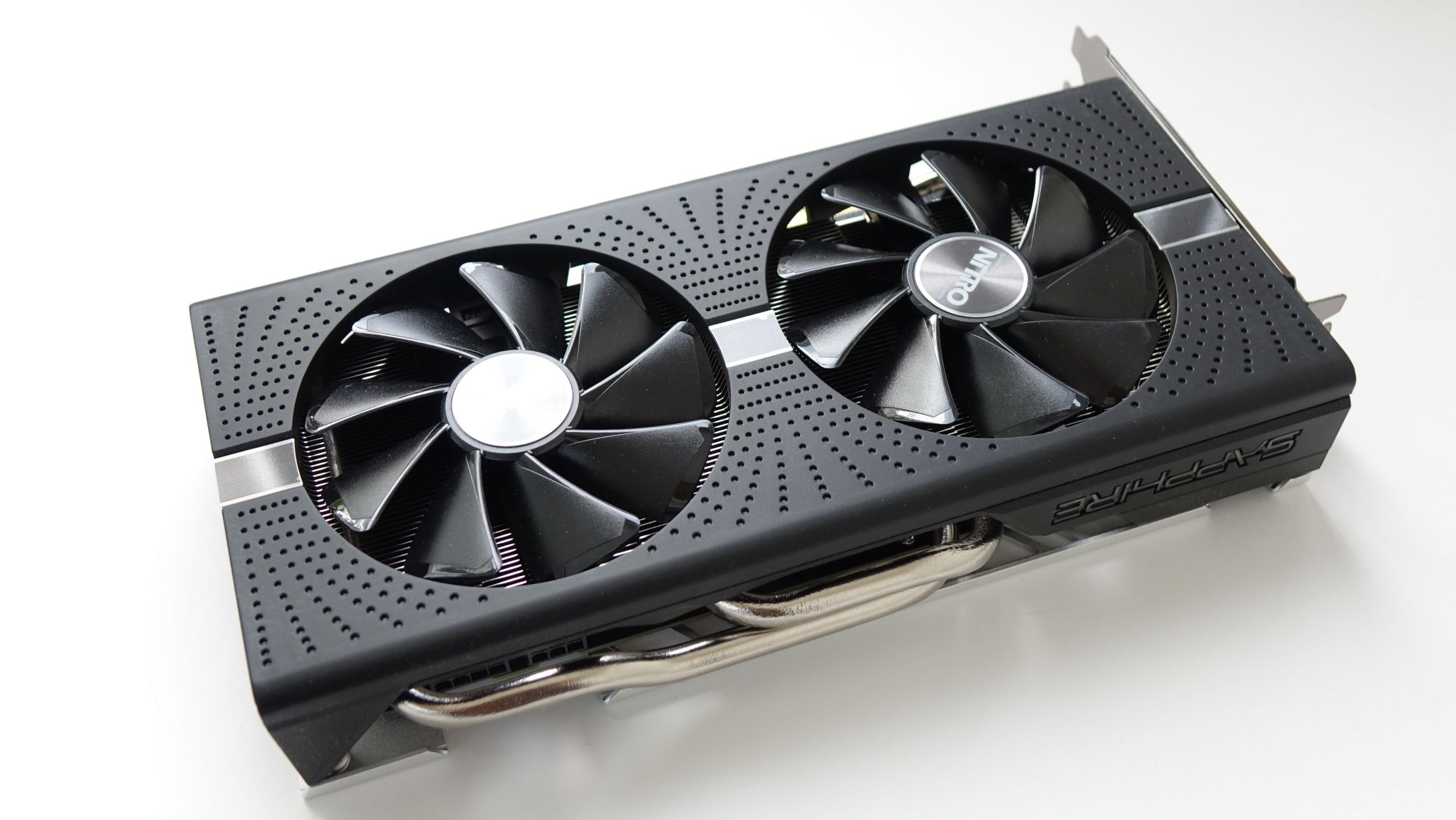 Sapphire Nitro+ RX 590 8G G5 вентиляторы