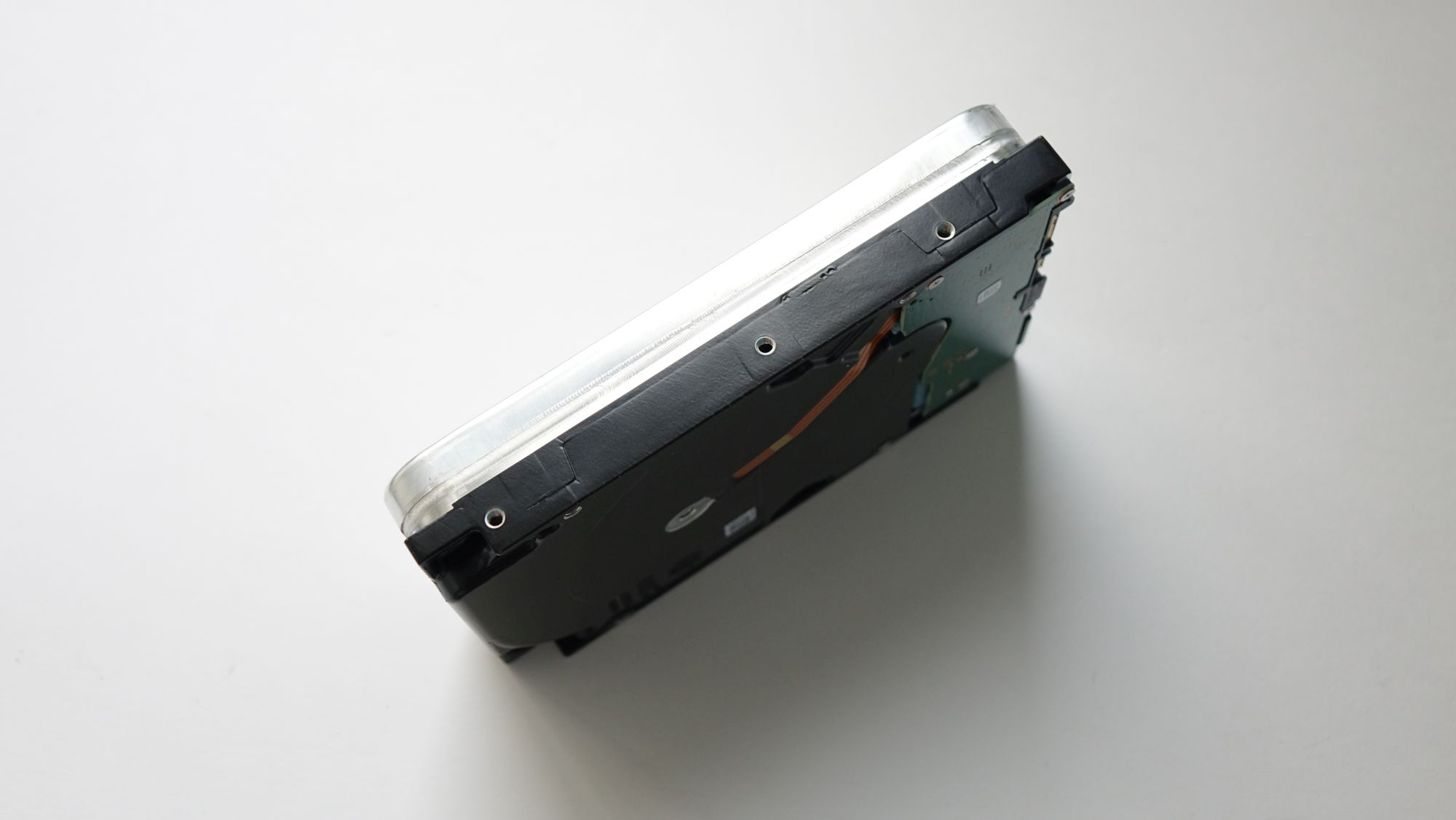 ST16000VN001 корпус
