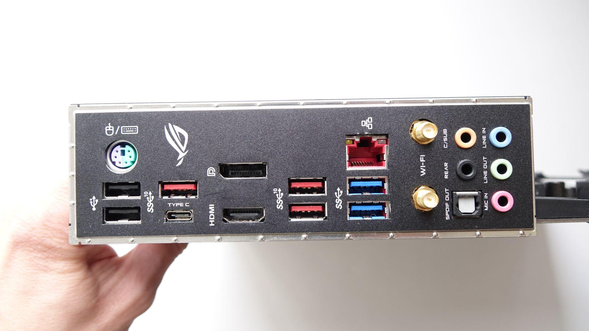 ASUS ROG Strix Z390-E Gaming задняя панель