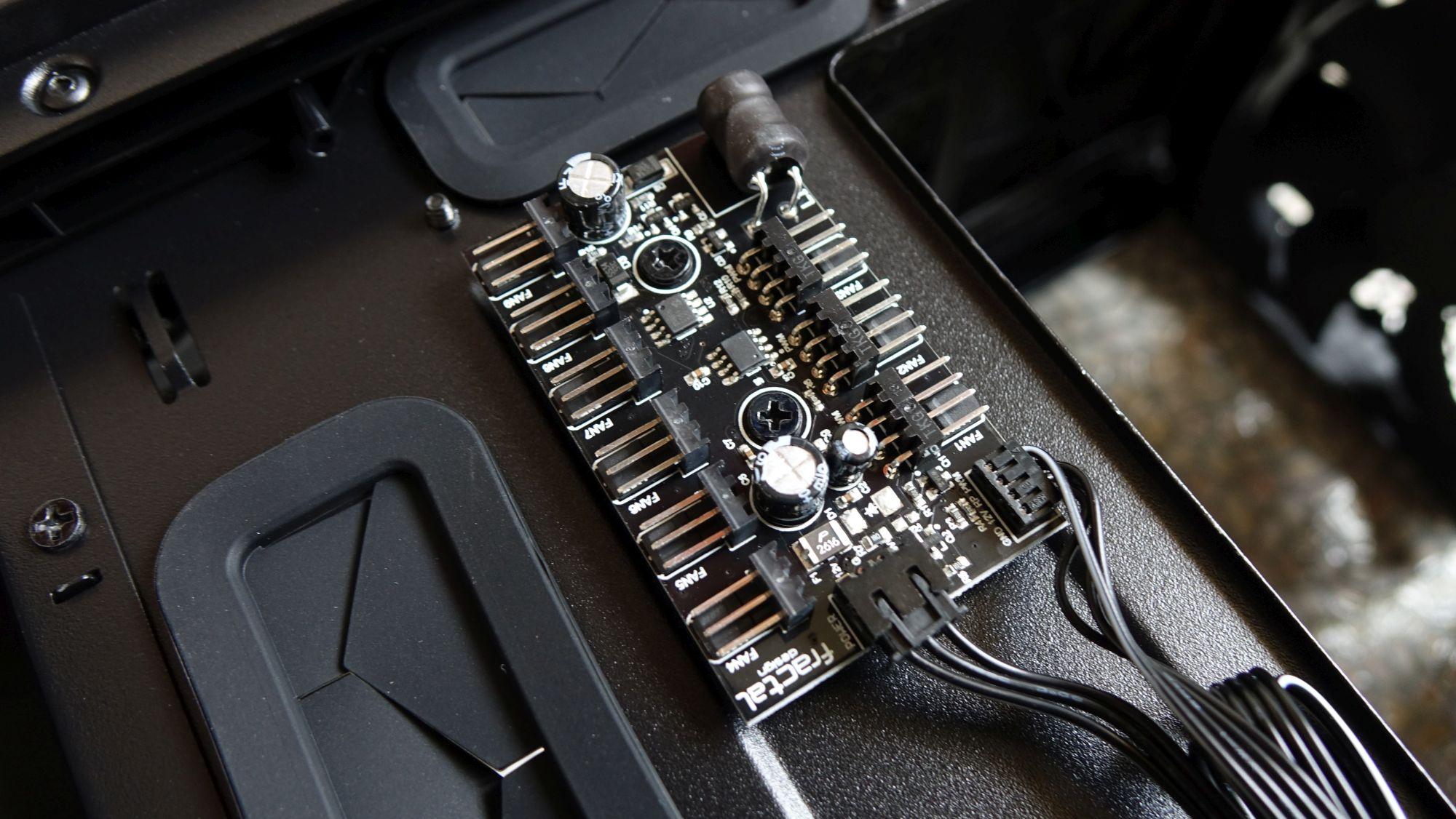 Fractal Design Meshify S2 контроллер