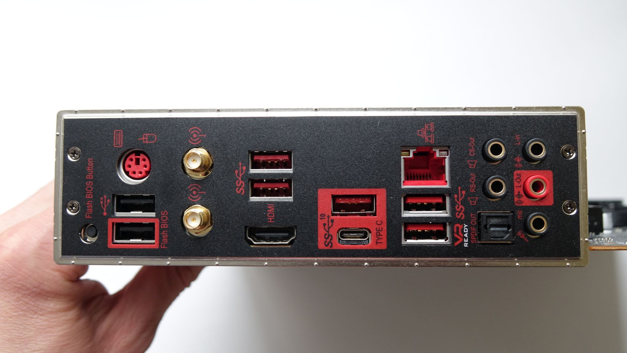 MSI MPG X570 Gaming Edge WIFI задняя панель