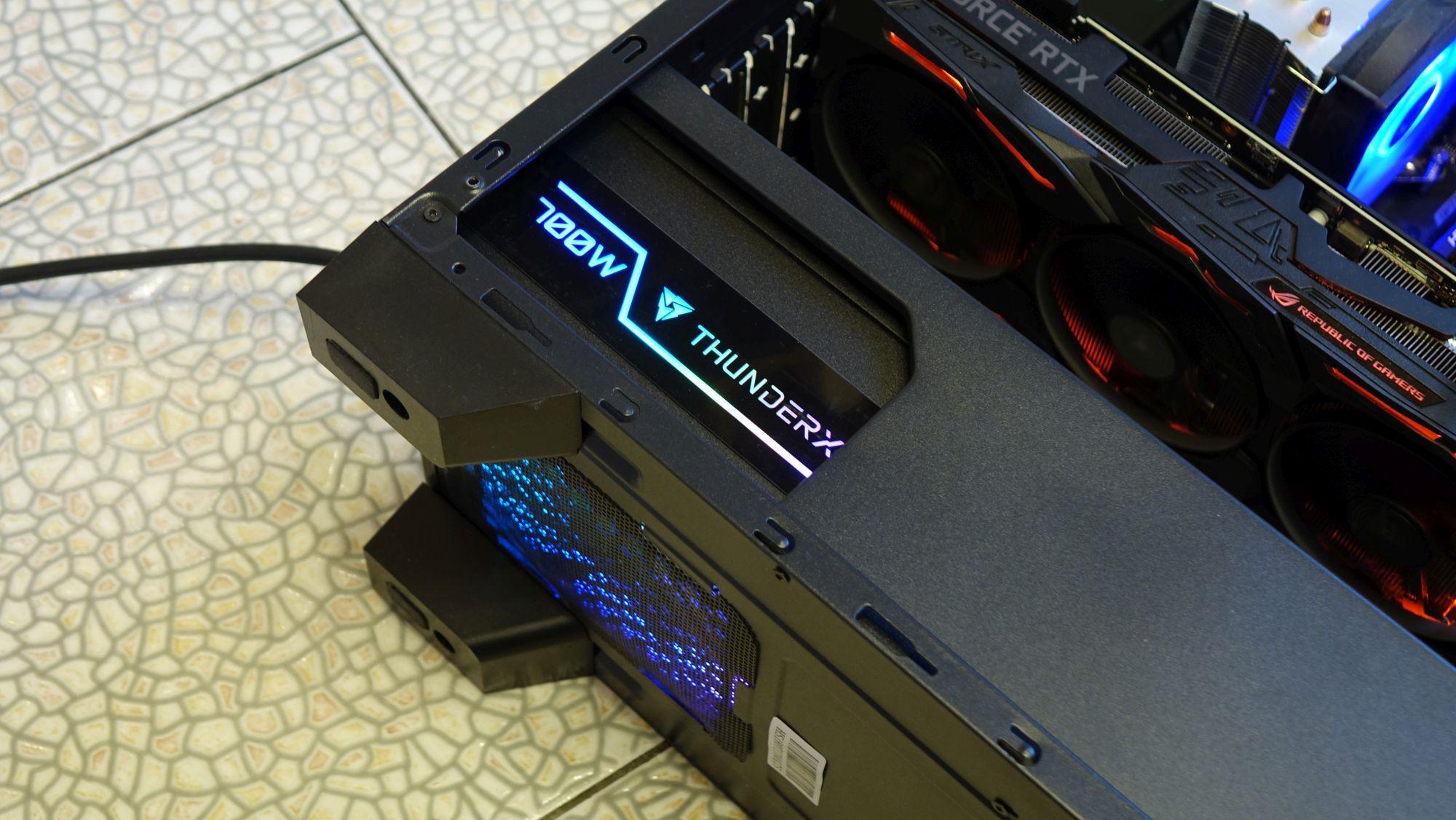 ThunderX3 Plexus 700 в корпусе
