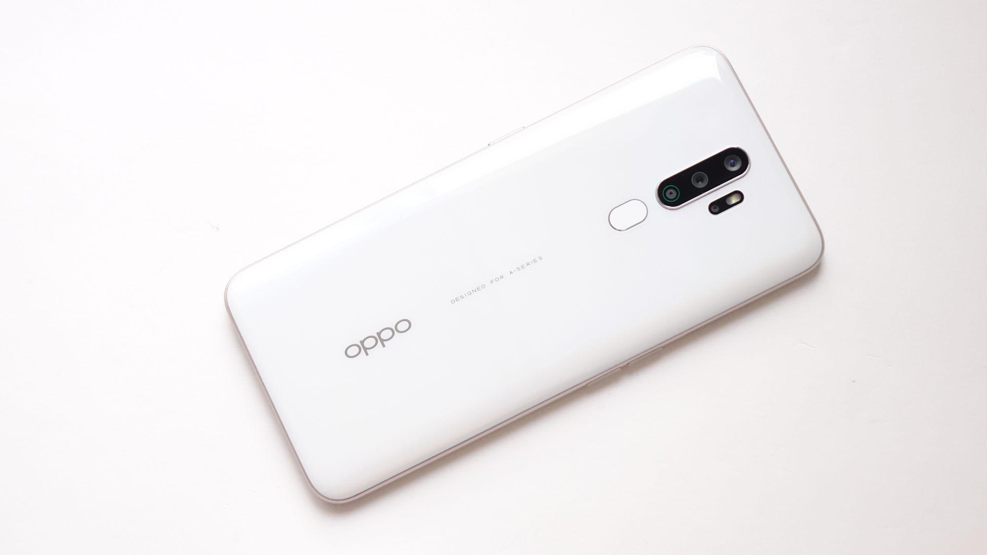 OPPO A5 2020 сзади