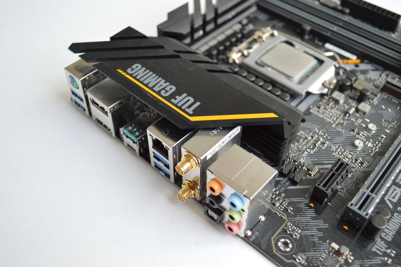 TUF Gaming Z490-Plus (Wi-Fi) разъемы