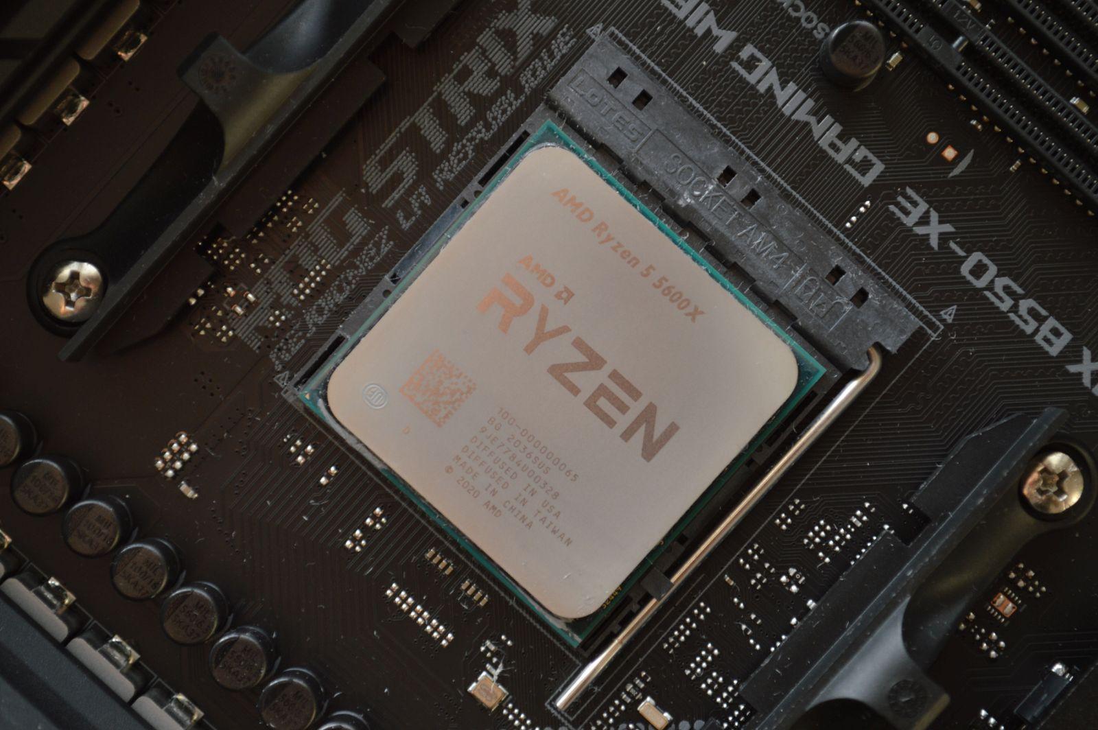 Ryzen 5 5600X в сокете