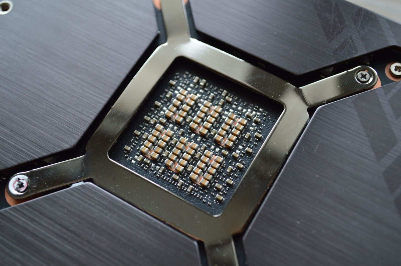 TUF Gaming GeForce RTX 3080 чип