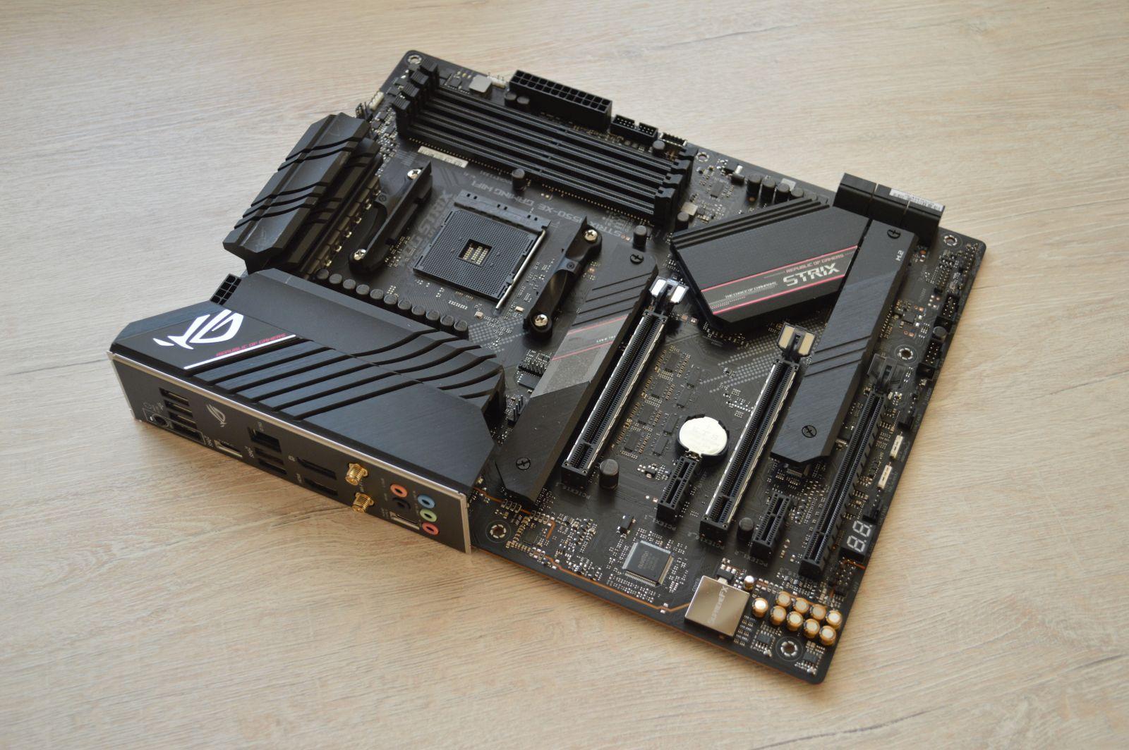 ASUS ROG Strix B550-XE Gaming WIFI