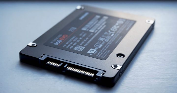 Samsung-860-Evo-best-gaming-SSD-1212x681