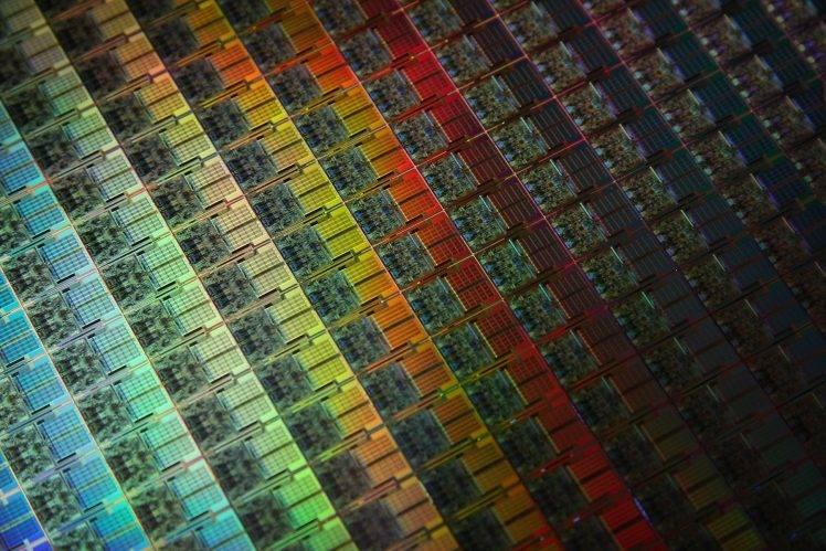 26575-wafer-CPU-748x499