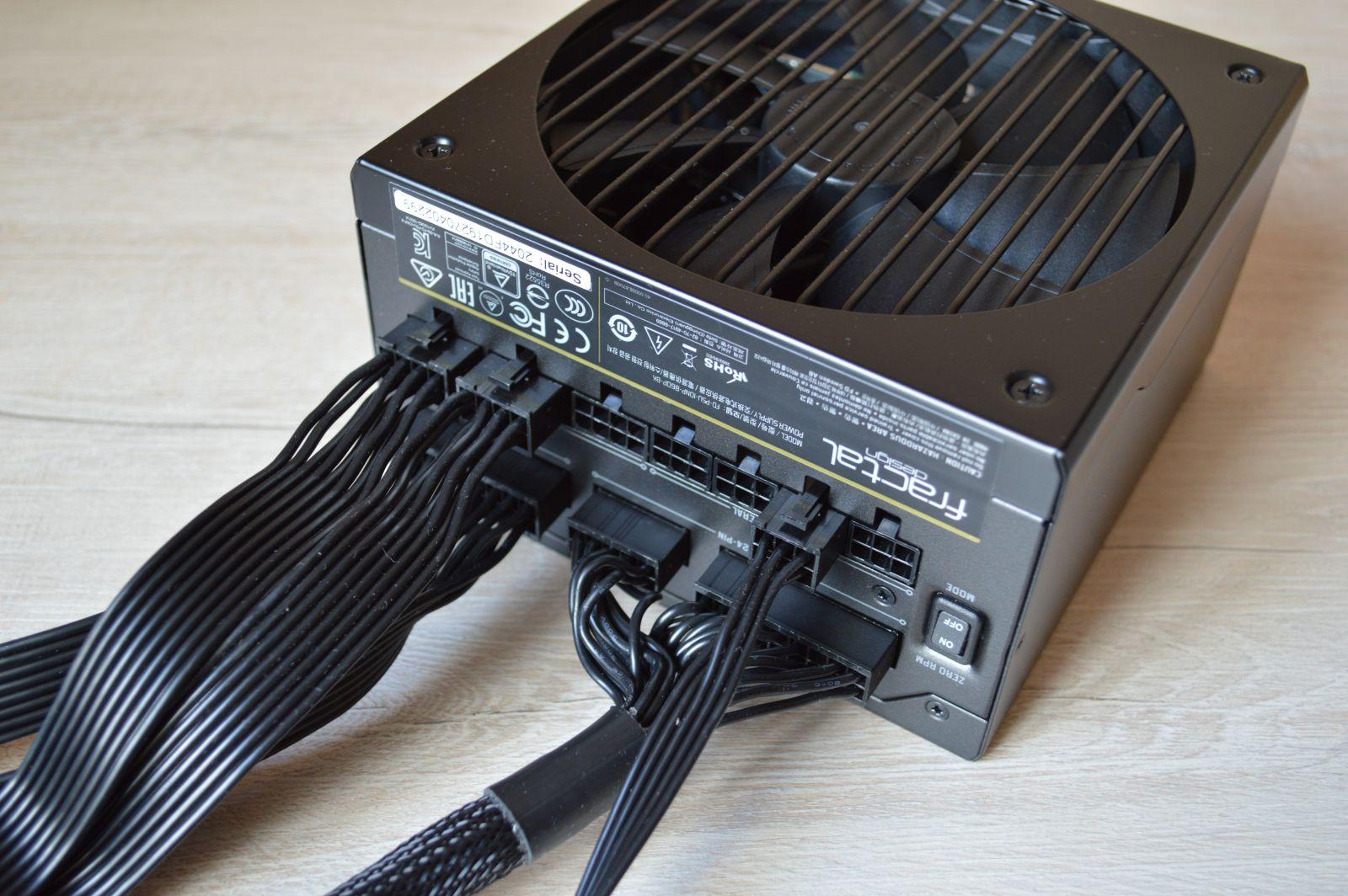 Fractal Design Ion+ Platinum 860 Вт в собранном виде