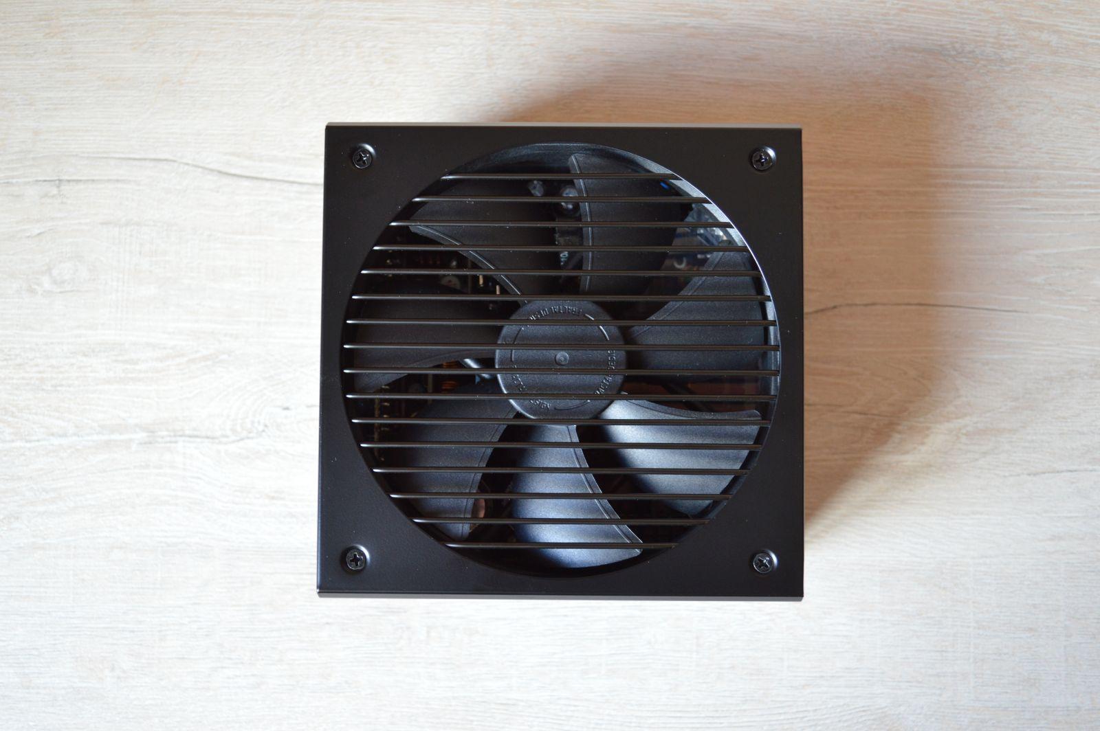 Fractal Design Ion+ Platinum 860 Вт вентилятор