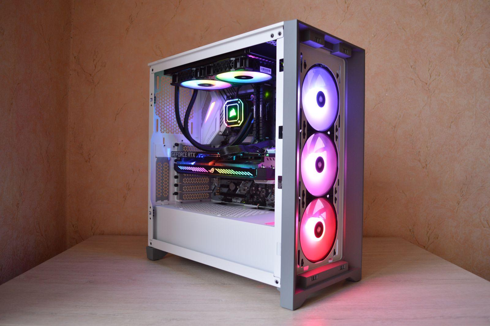 Corsair iCUE 4000X RGB яркий