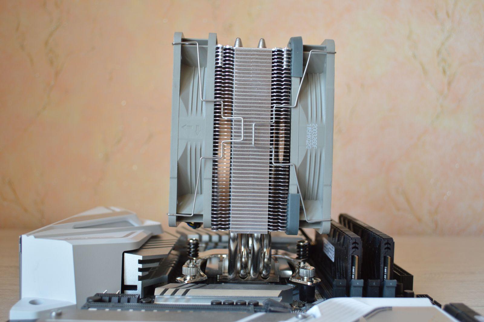 Noctua NH-U12S redux с двумя вентиляторами