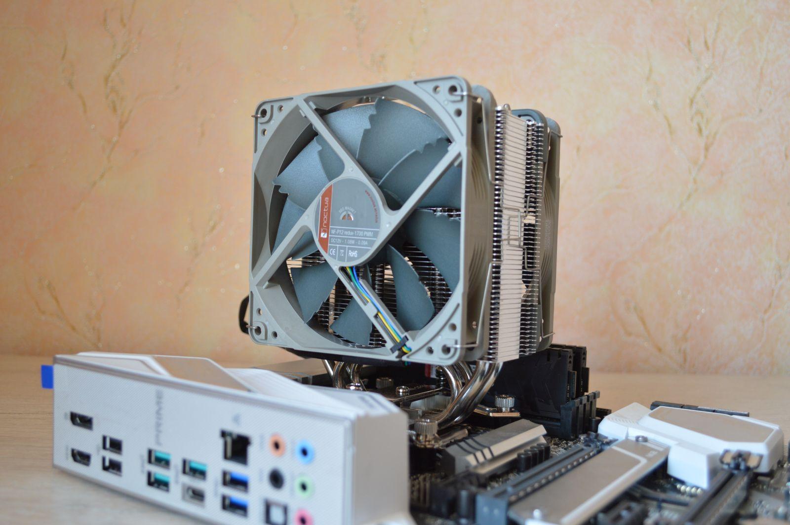 с двумя вентиляторами на плате