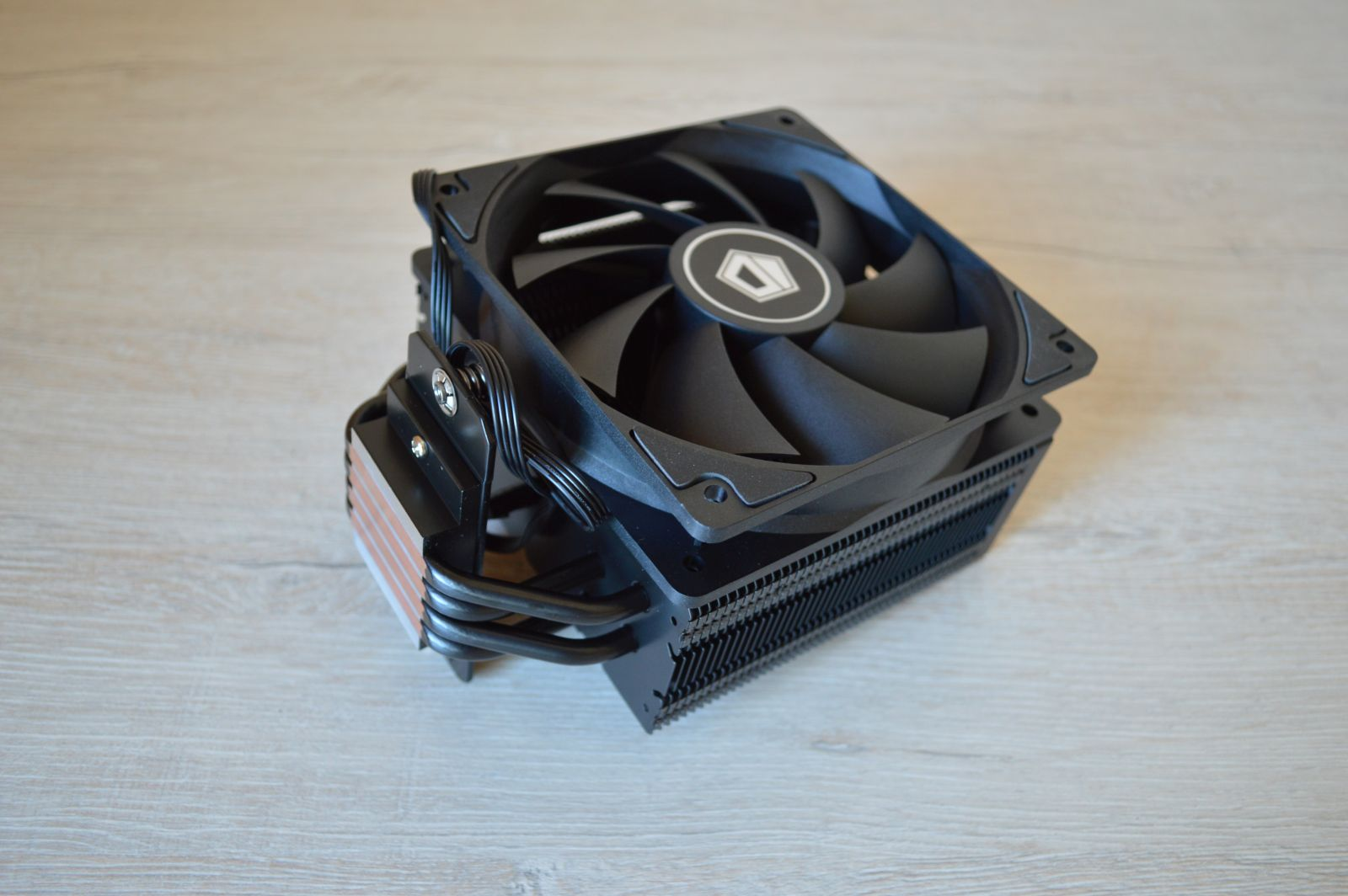 ID-Cooling SE-224-XT Black