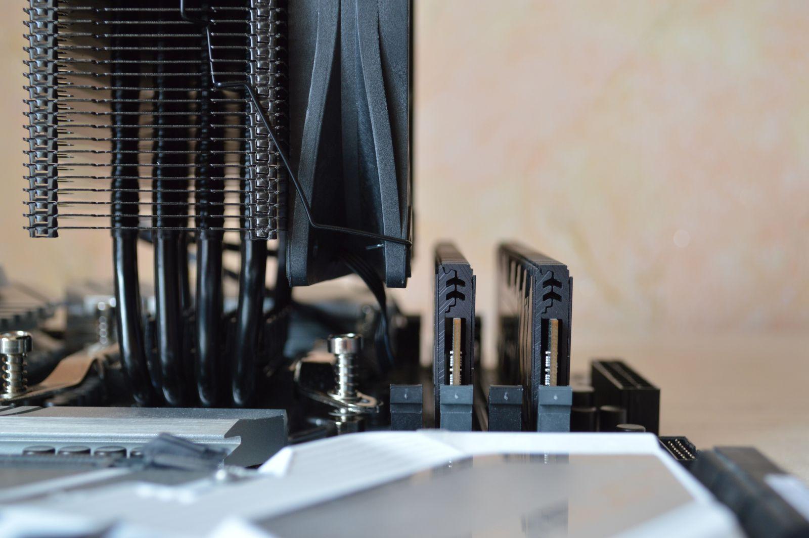 PCCooler GI-X4S D и модули памяти