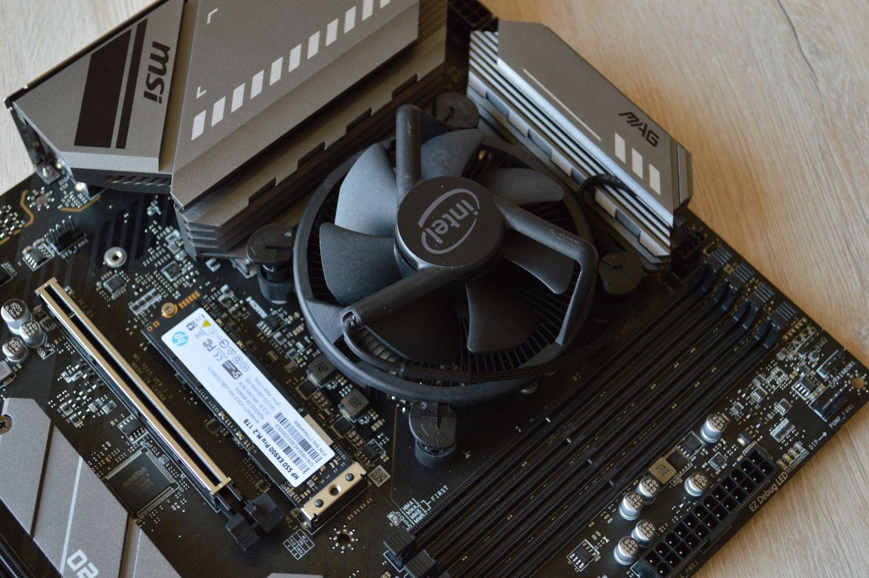 кулер Intel Core i5-11400F на плате