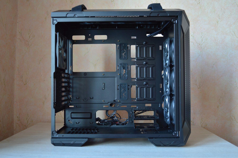 ASUS TUF Gaming GT501 внутри
