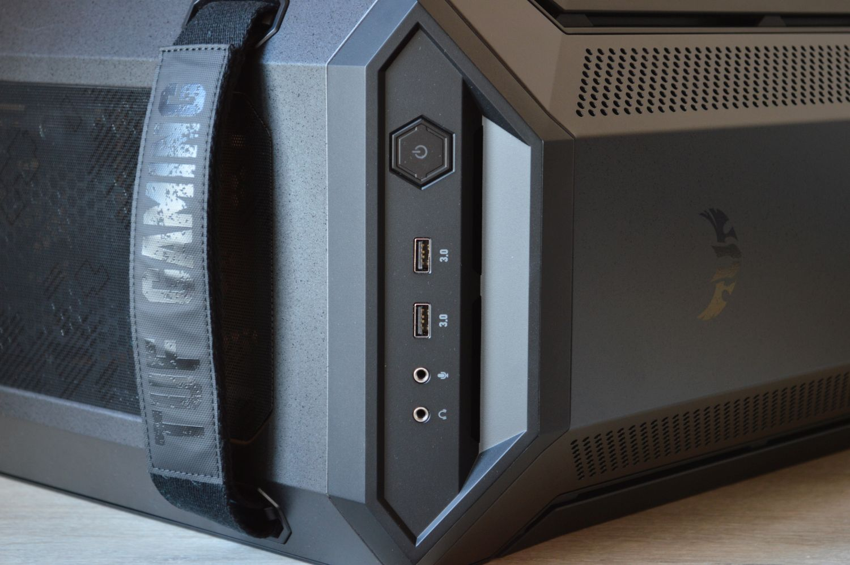 ASUS TUF Gaming GT501 разъемы