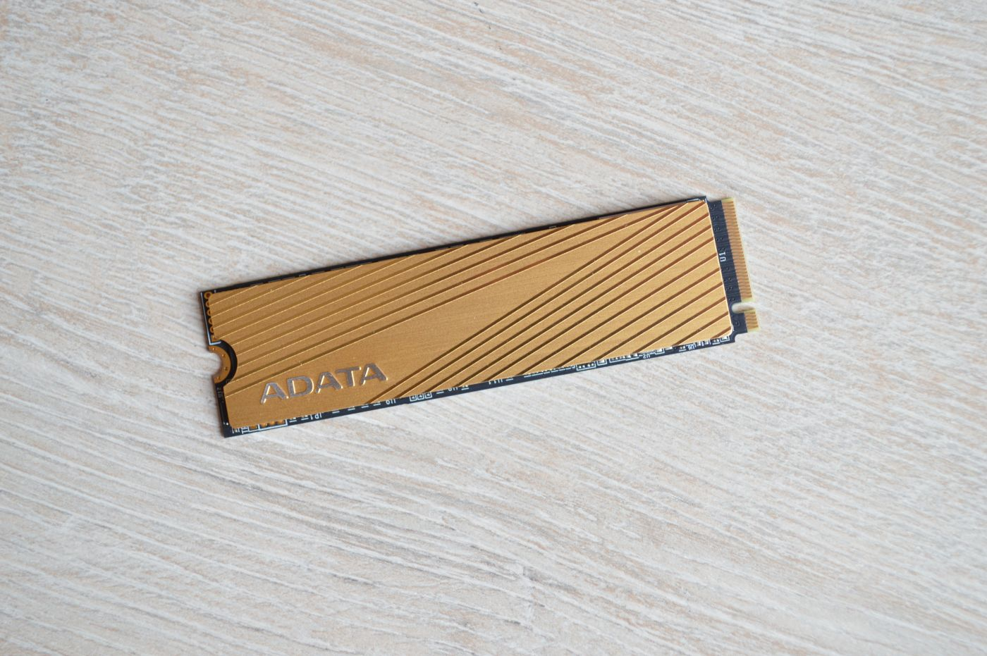ADATA Falcon 512 Гбайт радиатор